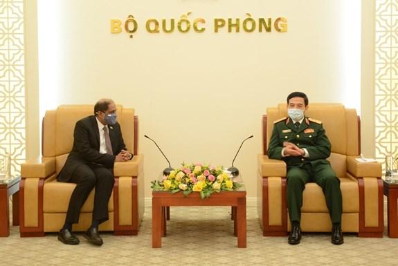 Vietnam consolida nexos con Filipinas y Singapur hinh anh 1