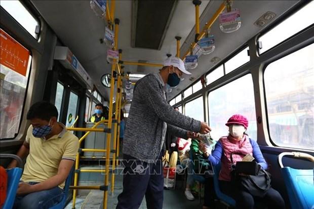 """Presentan en Vietnam funcion de """"advertencia de no llevar mascarillas"""" a vehiculos de pasajeros hinh anh 1"""