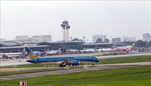 Suspenden vuelos hacia Ciudad Ho Chi Minh por COVID-19 hinh anh 1