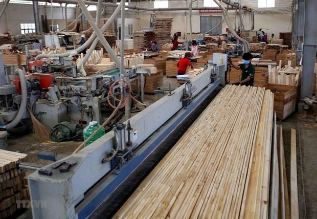 Crece indice de produccion industrial de Vietnam en medio del COVID-19 hinh anh 1