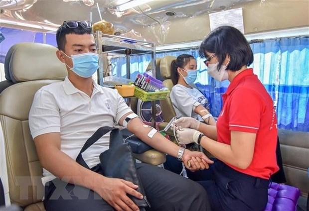 Donacion de sangre en Hanoi atrae activa participacion de comunidad hinh anh 1