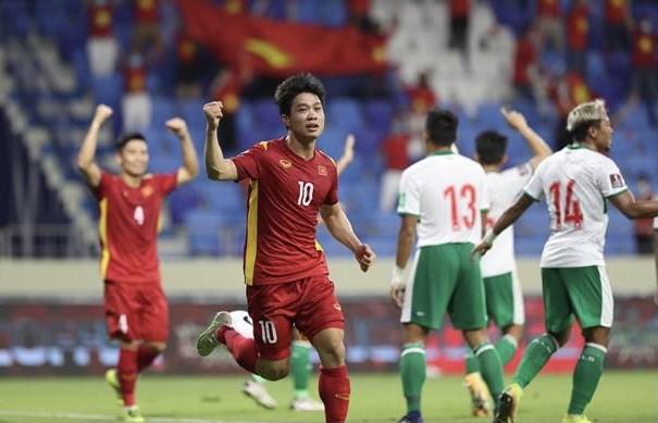 Vietnam aplasta a Indonesia en eliminatoria mundialista de futbol hinh anh 1