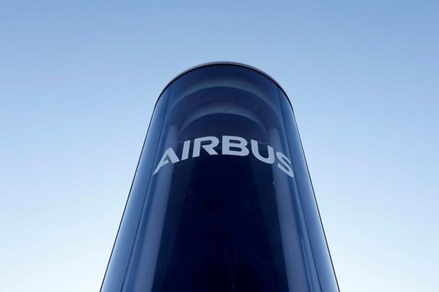 Airbus coopera con Malasia en mantenimiento de aviones militares hinh anh 1
