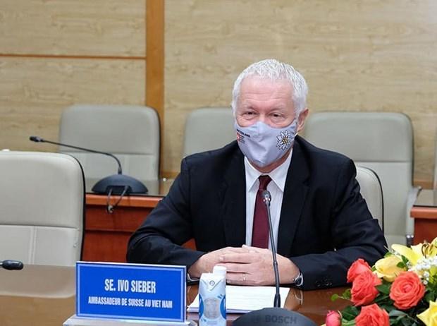 Vietnam busca apoyo internacional en acceso a vacunas contra COVID-19 hinh anh 2