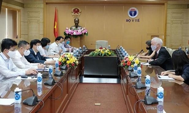 Vietnam busca apoyo internacional en acceso a vacunas contra COVID-19 hinh anh 1
