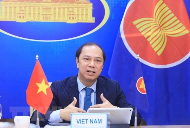 ASEAN y China reiteran compromiso con enfrentamiento a asuntos regionales apremiantes hinh anh 1