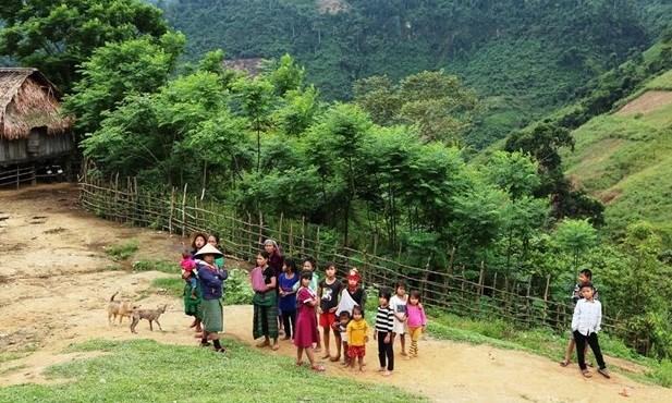 Buscan mejorar vida de etnias minoritarias en provincia vietnamita de Dak Nong hinh anh 1
