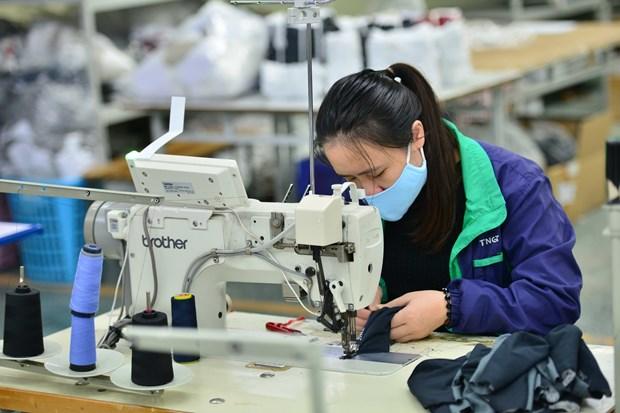 Aumenta produccion de equipos de proteccion medica en Vietnam hinh anh 1