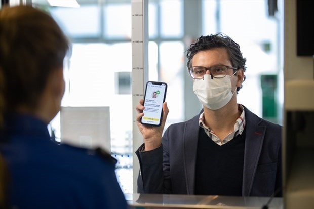 Vietjet probara pasaporte sanitario electronico para vuelos internacionales hinh anh 1