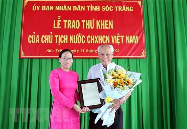 Presidente vietnamita honra a filantropo de 98 anos de edad hinh anh 1