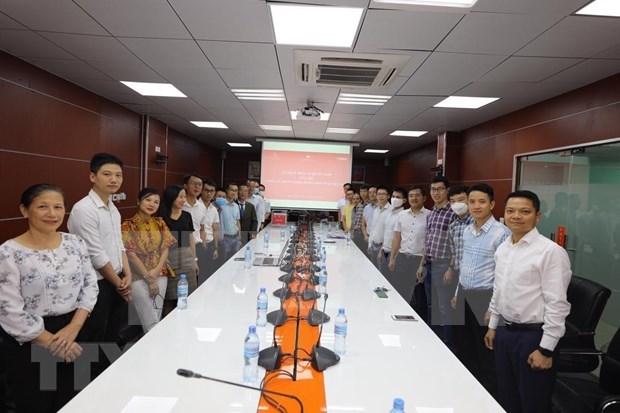 Vietnamitas en Tazania brindan apoyo al Fondo Nacional de Vacunas contra el COVID-19 hinh anh 1