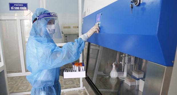 Reportan 121 nuevos infectados del COVID-19 en Vietnam hinh anh 1
