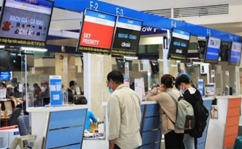Adoptan nuevas normas para pasajeros extranjeros en vuelos domesticos en Vietnam hinh anh 1