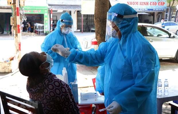Vietnam cierra sabado con 90 nuevos casos del COVID-19 hinh anh 1