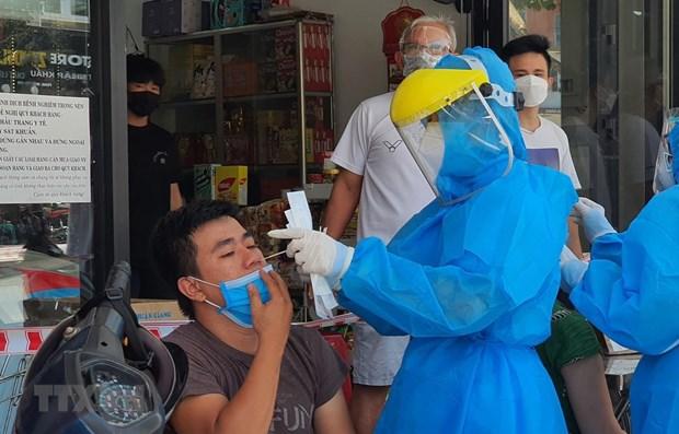 Confirma Vietnam otros 94 casos nuevos del COVID-19 hinh anh 1