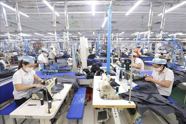 Exportaciones de confecciones y textiles de Vietnam aumentan en primeros cinco meses hinh anh 1
