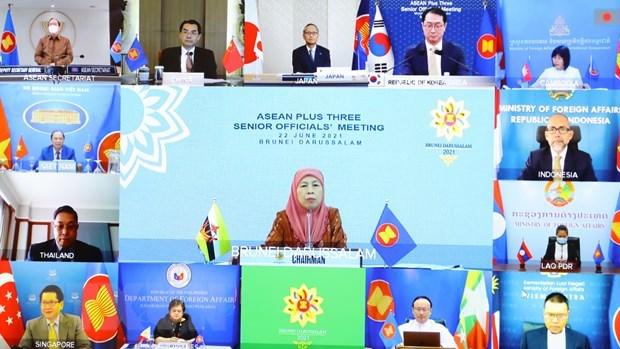 Instan a fomentar cooperacion ASEAN+3 en lucha contra COVID-19 hinh anh 1