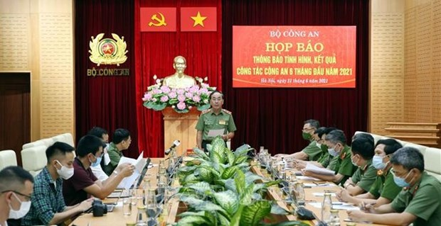 Abren proceso legal contra expolicia vietnamita por recibir sobornos hinh anh 1