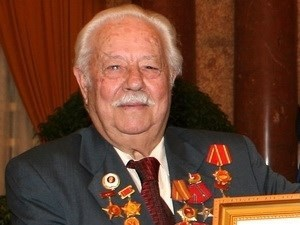 Adios al Heroe de las Fuerzas Armadas Populares de Vietnam, Kostas Sarantidis hinh anh 1