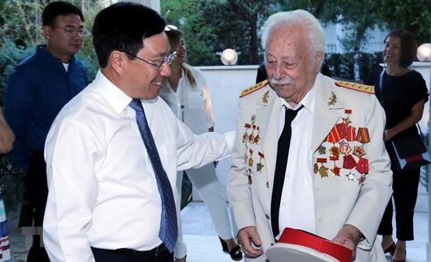 Adios al Heroe de las Fuerzas Armadas Populares de Vietnam, Kostas Sarantidis hinh anh 2