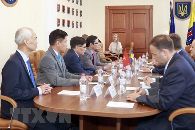 Buscan enquirecer cooperacion entre Vietnam y ciudad ucraiana hinh anh 1