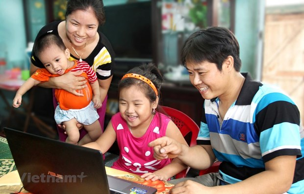 Abierta en Vietnam exposicion sobre felicidad familiar hinh anh 1