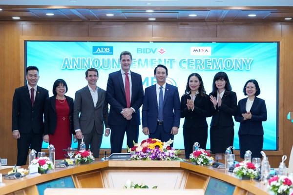 Banco vietnamita recibe premio internacional del mejor del Sudeste Asiatico para PyMEs hinh anh 1