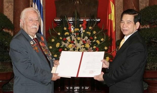 Partido Comunista de Vietnam expresa condolencias por fallecimiento de Kostas Sarantidis hinh anh 1