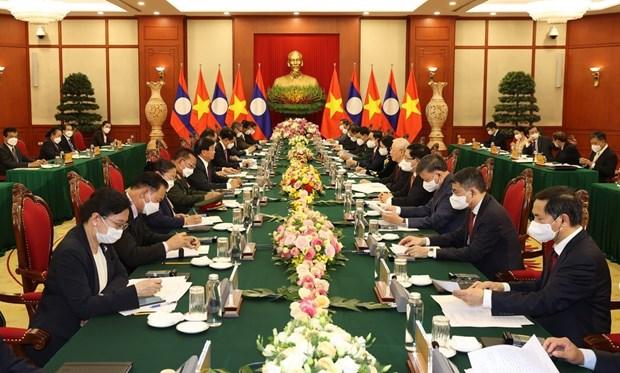Ratifican compromiso de enriquecer relaciones especiales Vietnam-Laos hinh anh 1