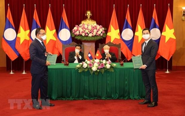 Fabricante de automoviles vietnamita VinFast ampliara su red de concesionarios a Laos hinh anh 1