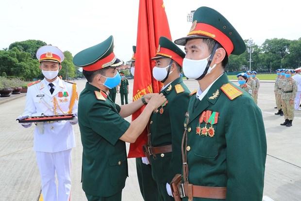 Cascos azules vietnamitas rinden tributo a Ho Chi Minh de regreso en la Patria hinh anh 2
