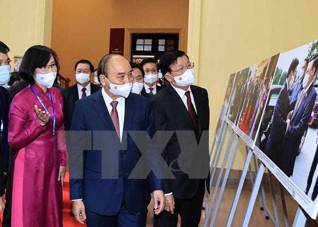 Maximo dirigente de Laos visita Academia Nacional de Politica de Ho Chi Minh hinh anh 2