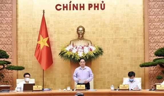 Premier vietnamita preside reunion gubernamental sobre elaboracion de leyes hinh anh 1