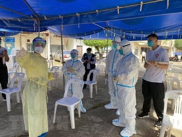 Varias provincias de Laos aplican bloqueo por el COVID-19 hinh anh 1