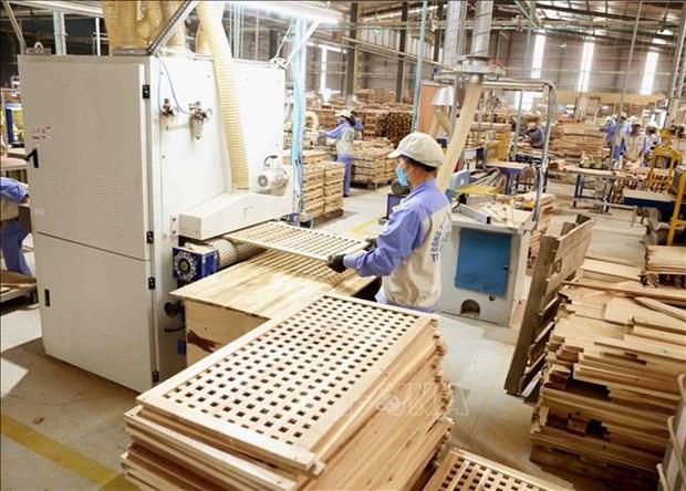 Casi el 80 por ciento de empresas de procesamiento y manufactura vietnamitas mejoraran actividades hinh anh 1