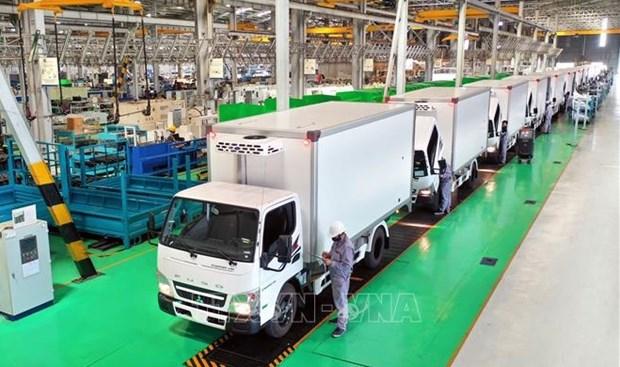 THACO dona camiones especializados para transporte de vacunas y vacunacion movil hinh anh 1