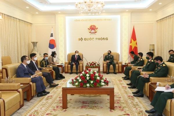 Vietnam promueve nexos en defensa con Corea del Sur y la India hinh anh 1