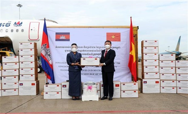Vietnam agradece apoyo de Camboya para enfrentar COVID-19 hinh anh 1