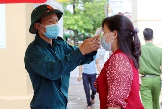 COVID-19: Avanza vacunacion de obreros en parques industriales de la provincia vietnamita de Quang Ninh hinh anh 1