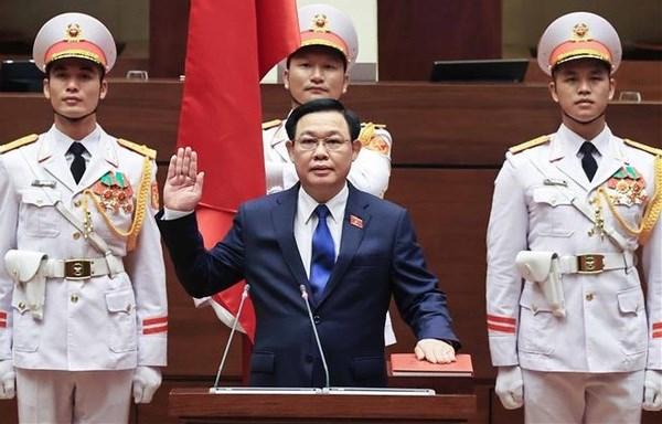 Vuong Dinh Hue jura su cargo como presidente del Parlamento vietnamita hinh anh 1