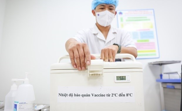 JICA suministra a Vietnam cajas enfriadoras para preservar vacunas hinh anh 1