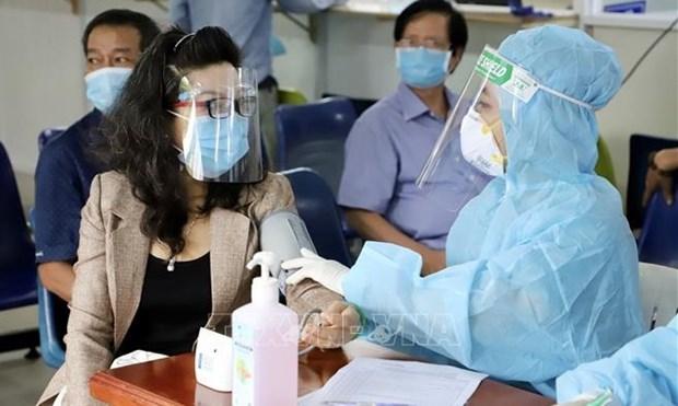 Proponen enviar a Ciudad Ho Chi Minh siete mil trabajadores de salud hinh anh 1