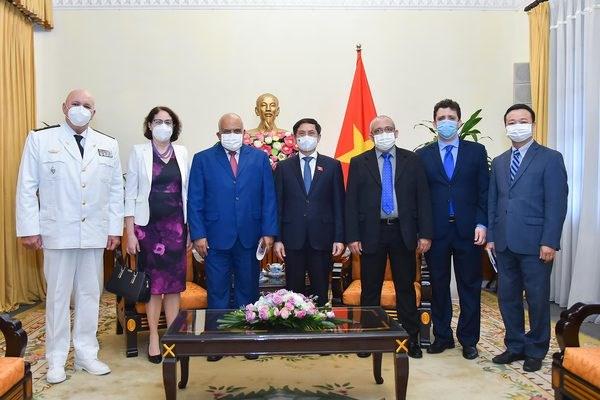 Proponen promover cooperacion Vietnam-Cuba en produccion de vacunas contra COVID-19 hinh anh 1
