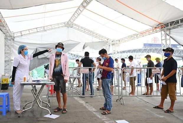Vietnam registra tres mil 991 casos del COVID-19 en 19 localiades hinh anh 1