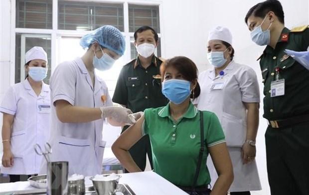 Prosigue ensayo clinico de vacuna vietnamita Nano Covax hinh anh 1