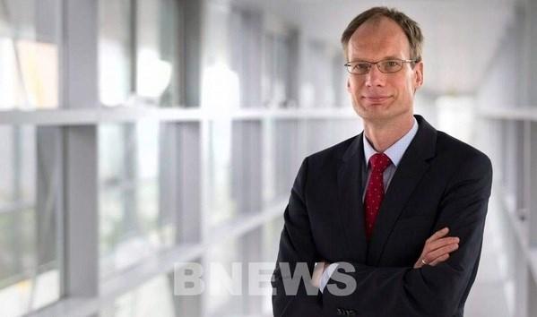 Exdirector general de Opel, nuevo CEO global de VinFast hinh anh 1