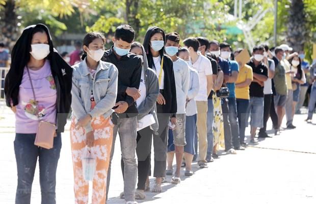 Camboya respalda a 2,6 millones de personas pobres con programa de ayuda en efectivo hinh anh 1