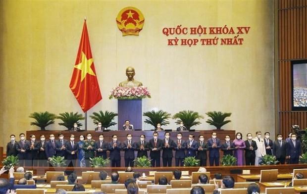Parlamento de Vietnam aprueba nombramiento de ministros y altos funcionarios del gobierno hinh anh 1