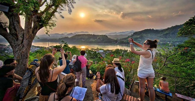 Laos por reactivar el turismo en contexto de nueva normalidad hinh anh 1