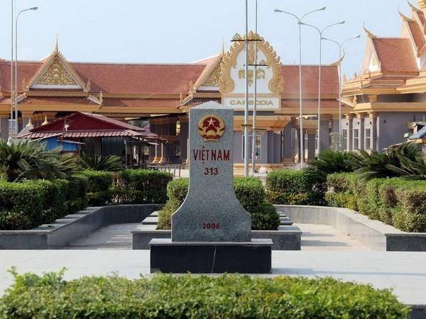 Vietnam y Camboya debaten cuestiones relacionadas con la frontera terrestre hinh anh 1